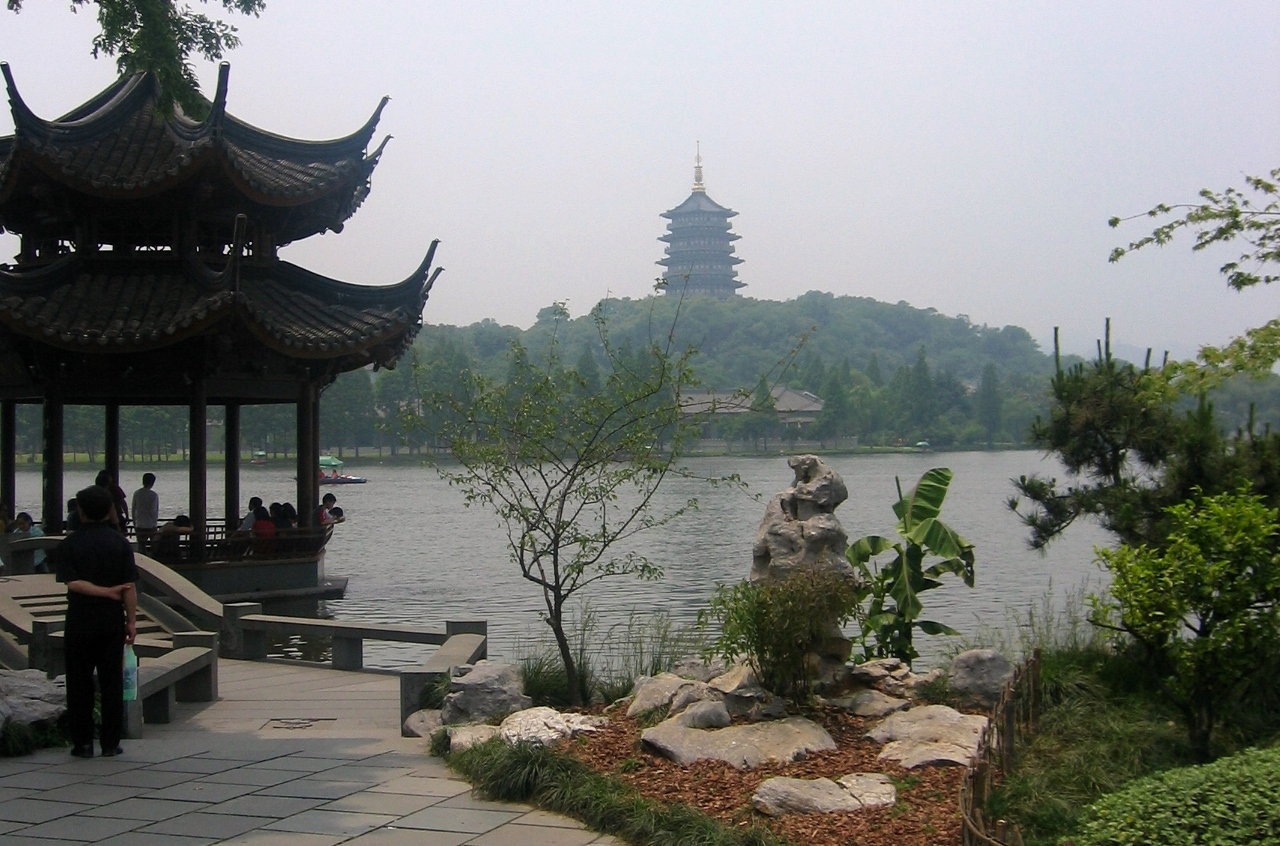 Zhejiang Tea Facts. Hangzhou West Lake picture.